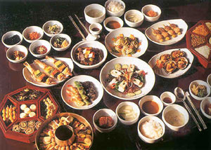 Food in korea basic sauces kim chi ceremonial food table manners food in korea forumfinder Images